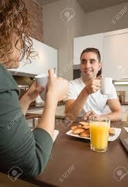 les amoureux de la cuisine heureux amoureux de parler et d avoir un bon petit