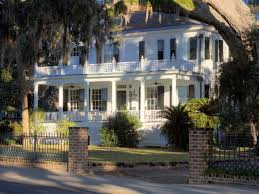 plantation style house curb appeal tips for southern style homes hgtv