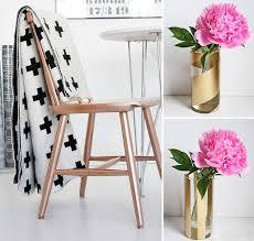chaise dorée 10 objets à transformer avec de la peinture en aérosol