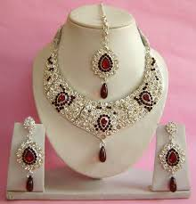 artificial bridal jewelry how to choose best for you