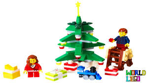 lego poly set 40058 decorating the tree with two