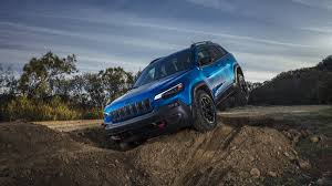 turbo jeep cherokee what you need to know about the 2019 jeep cherokee first drive