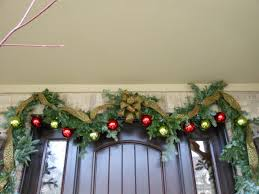 Outdoor Christmas Garland Decorating Ideas by Doorway Christmas Garland U0026 4 Doorway Garlands