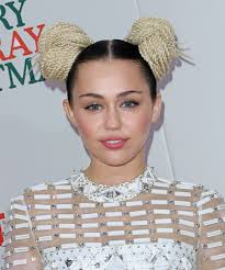 miley cyrus debuts a bold new hairstyle u0026 glam red carpet look twist