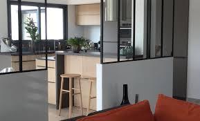 cuisine avec verriere réalisations cuisine en bois avec verrière de cuisines avec mobalpa