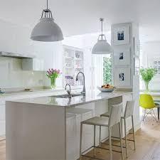 White Kitchens With Islands by Best 25 Kitchen Island Pillar Ideas On Pinterest Kitchen