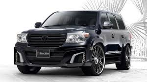 toyota land cruiser black toyota land cruiser tuned by wald international for the tokyo auto