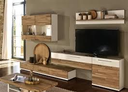 Wohnzimmerschrank Verschieben Moderne Einrichtungsideen Wanddeko Schwarzer Teppich Versteckte