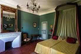 chambre dans un chateau château du grand jardin chambres d hôtes château provence à