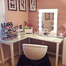 Vanity Makeup Desk With Mirror Best 25 Corner Makeup Vanity Ideas On Pinterest Diy Makeup