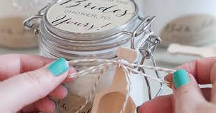 Diy Favors by 10 Diy Wedding Favors Your Guests Will And Use Postris