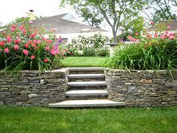 how to landscape a sloping backyard diy u2013 modern garden
