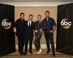 lionel richie home lionel richie ryan seacrest katy perry luke bryan headline planet