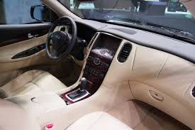 infiniti qx50 vs lexus 2016 infiniti qx50 makes manhattan debut autoguide com news
