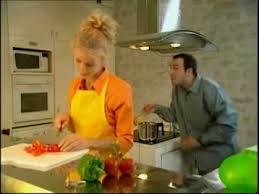 un gars une fille dans la cuisine un gars une fille dans le salon of salon un gars une fille