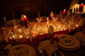 Homes Decorated For Christmas by Christmas And Holiday Tablescapes Table Settings