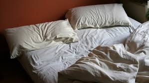 I Just Want Head In A Comfortable Bed First Night Effect Why You Don U0027t Sleep Well In A New Place Cnn