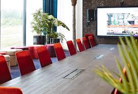 agencement bureau agencement bureau salle reunion professionnel avec plantes arch