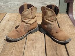 worn out cowboy boots for crafting birdhouses planters rustic