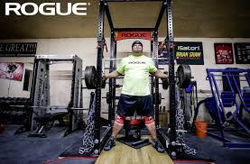 world s strongest man brian shaw s garage gym garage gym reviews legend fitness smith machine