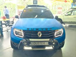 duster renault 2014 enter renault noida steal 4 duster suvs which had come for service