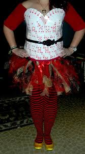 the very busy working artist diy queen of hearts costume
