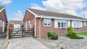 for sale two bedroom bungalow ely close west wittering