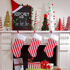 How To Decorate A Mantel For Christmas Christmas Mantel Decorating Ideas Party City