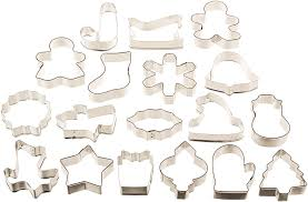 thanksgiving cookie cutters amazon com wilton holiday 18 pc metal cookie cutter set 2308