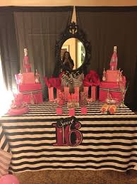 Sweet 16 Party Centerpieces For Tables by Best 25 Sweet 16 Sleepover Ideas On Pinterest Teen Bday Party