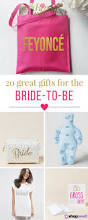 gifts for homeowners best 25 gifts for the bride ideas on pinterest bride gifts