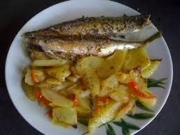 cuisiner le maquereau au four maquereau et pommes de terre au four recettedesorawel
