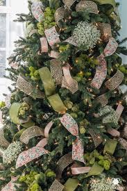 ribbon christmas tree how to decorate a christmas tree with ribbon kelley nan