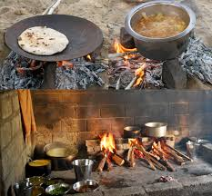 traditional outdoor indian cooking in the thar desert in jaisalmer