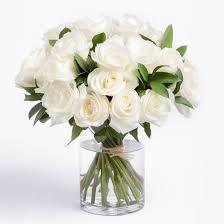 white bouquet flower delivery by ode à la favorite florist