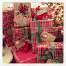 christmas plaid wrapping paper 10 best christmas gift wrapping tips christmas gifts gift