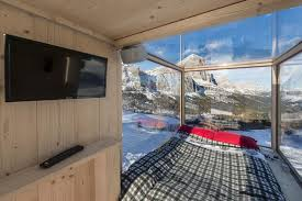 wohncontainer design wohn container mit unverbaubarer aussicht auf 2000 metern