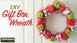 diy mini giftbox wreath ideas activities by