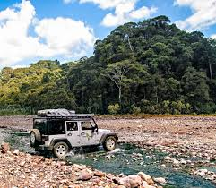 surfboard jeep adventure 4x4 rental costa rica nomad america roadtrip