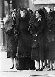 three queens mourn king george vi 1952 pictures getty images