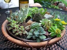 Make A Brick Succulent Planter - 25 indoor and outdoor succulent gardens of all sizes garden