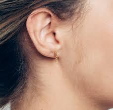 gold bar stud earrings dorans jewellery t bar gold studs