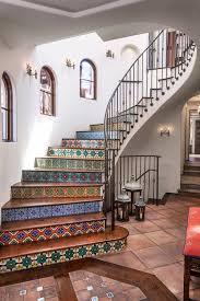 Mediterranean Style Home Interiors Best 25 Spanish Style Decor Ideas On Pinterest Spanish Garden