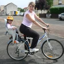 siege pour velo faire du vélo avec un bébé en sécurité