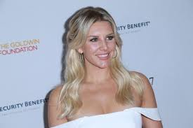 new haircut charissa thompson fox sports host charissa thompson had nude photos stolen ny