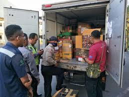 polisi sita ratusan ribu obat kuat di pintu masuk bali