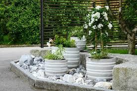 15 eye catching diy garden ideas of rocks and pots you u0027ll like