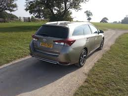 toyota auris touring sports estate review car keys