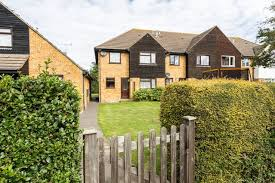 east beach family home houses for rent in southend on sea