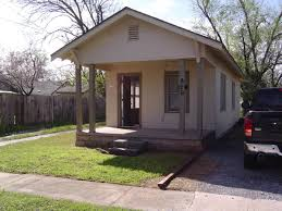 apartment unit house at 820 e hughbert street norman ok 73071